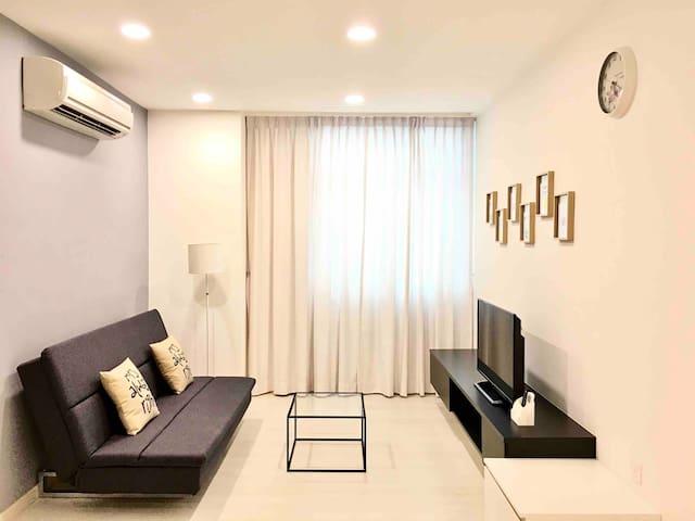 2Bedrooms 浪漫满屋Full House@Straits Garden Georgetown