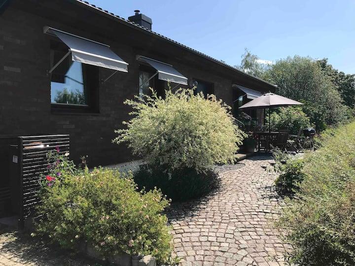 Stor, familjevänlig villa i attraktivt område