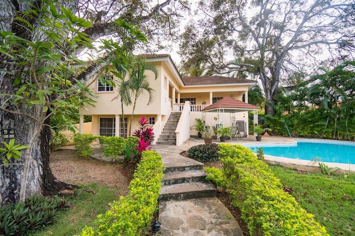 Villa in gated community, Residential Hispaniola