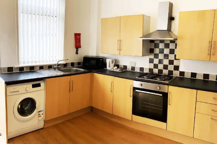 Cosy 2-Bedroom House Close to Local Amenities