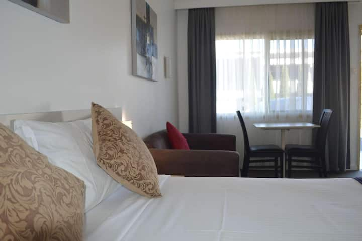 Compelling Room Double Bed At Lismore