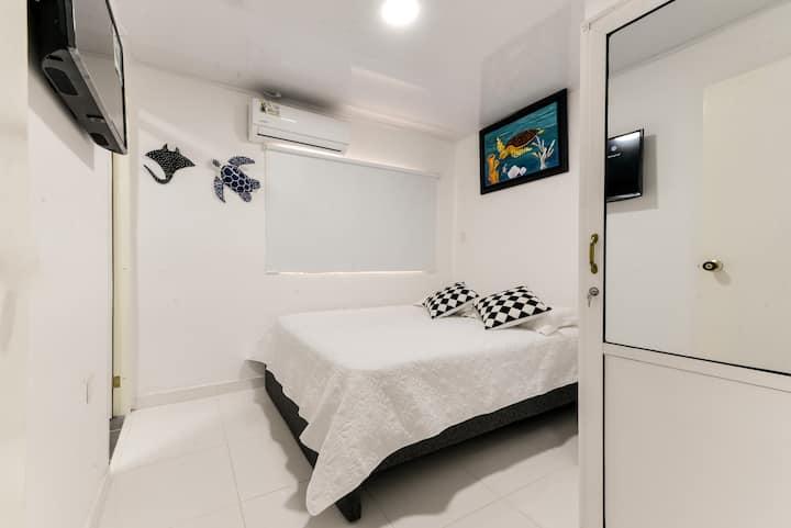 Habitación en el CENTRO con baño privado (103)