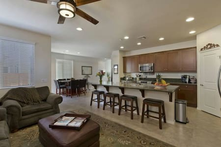 Great Location! Clean and Modern! - San Marcos