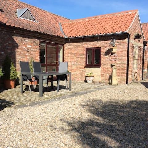 Mallard Cottage Far End Farm Yarm TS159PE