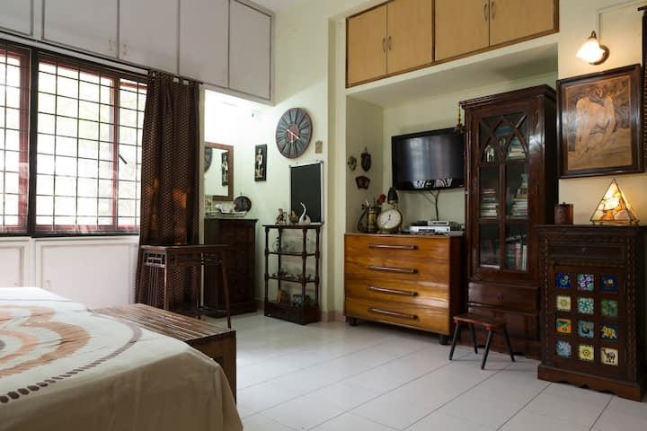 beautiful room n great location