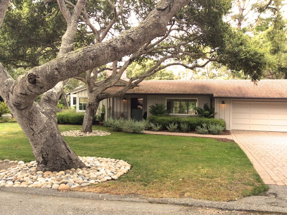 Charming 3 5br ranch w garden within 17 mile dr houses for 17 mile drive celebrity homes