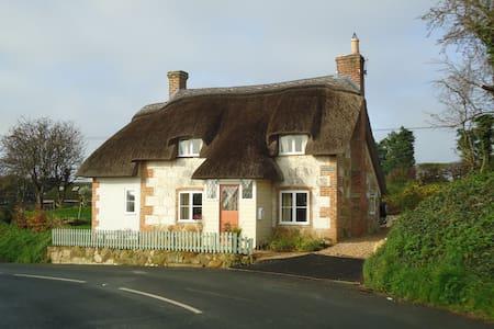 Corner Cottage, Limerstone, IOW - Limerstone
