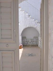 AMORGOS-CHORA, elegant charming traditional house