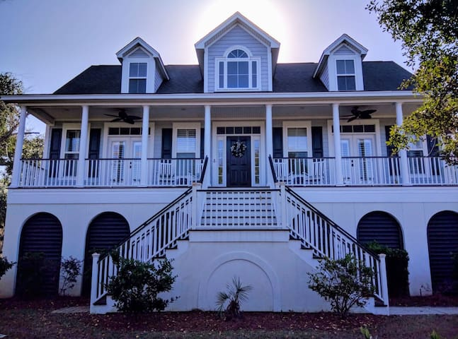 Location! 2 rooms w/2 private baths - Charleston - House