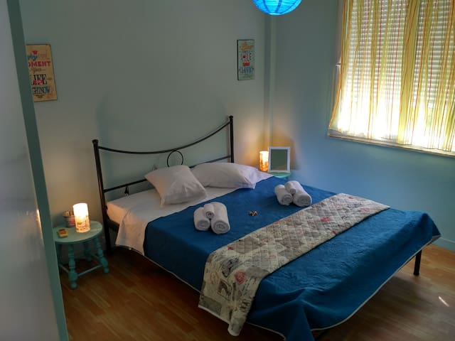 Lovely Comfortable Retro Home! - Thessaloniki - Apartment