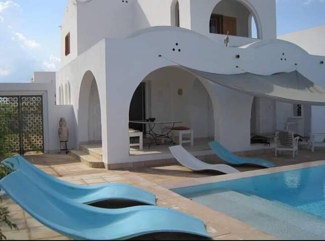 Dar el Mesbah villa de charme et standing 8 pers