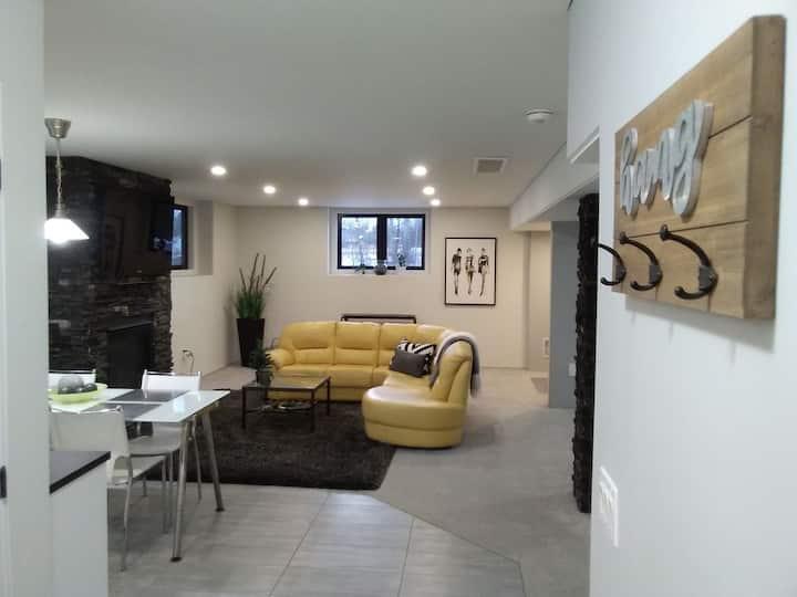 Lovely Spacious Studio Apartment