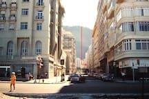 Rua Rodolfo Dantas esquina com Av Atlântlica