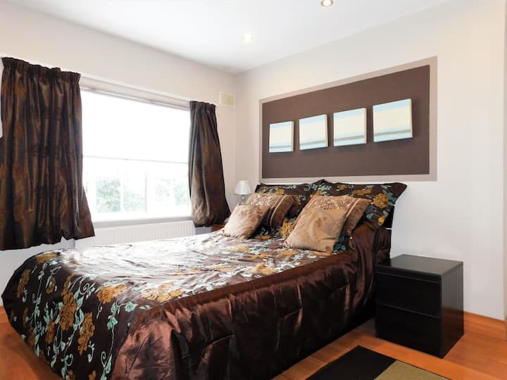 Comfy Private Double bedroom for 1 guest