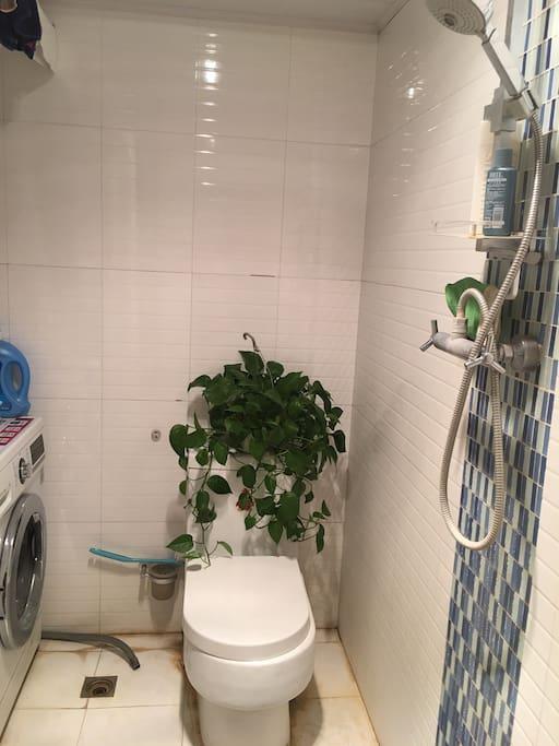 方便洗浴的24小时热水、洗衣机