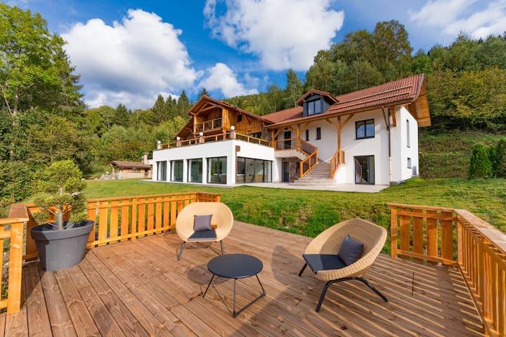Le Lodge : Chalet d'exception avec piscine privée