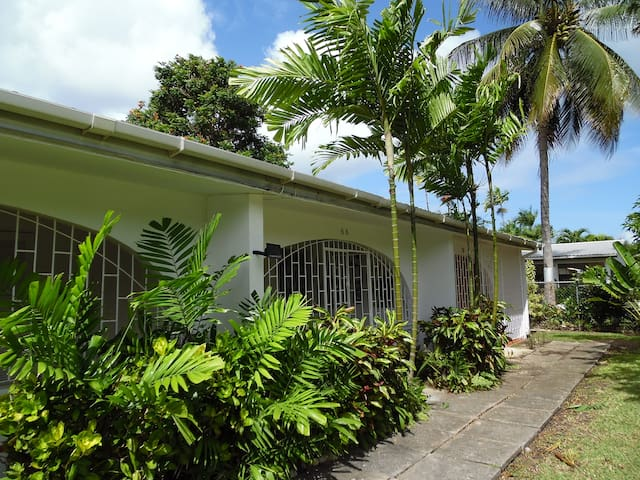 One bedroom self-catering apartment - Holetown - Daire