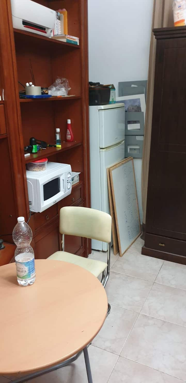 Uso individual:cuarto de baño/salón /office