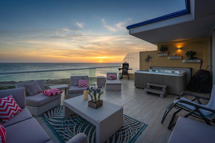 Spectacular Blair's Oceanfront Penthouse @Blue Res