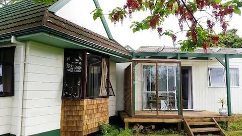Waitomo Big Bird Mini-Animal Petting Farm-Studio