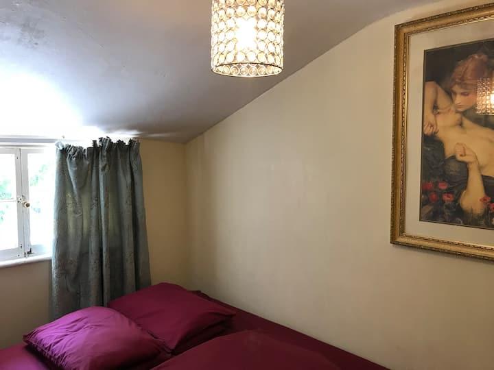 Embassie Double Room