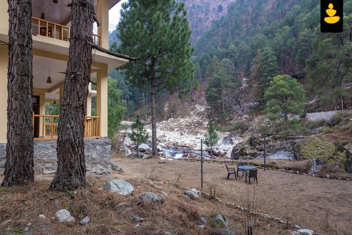 LivingStone Backwater Resort Deluxe Room