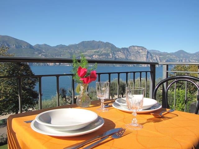 Villa Margherita cozy lake view - Brenzone - Apartment