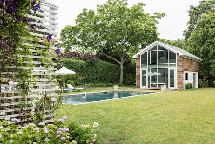 Gorgeous South of the Highway Bridgehampton Home