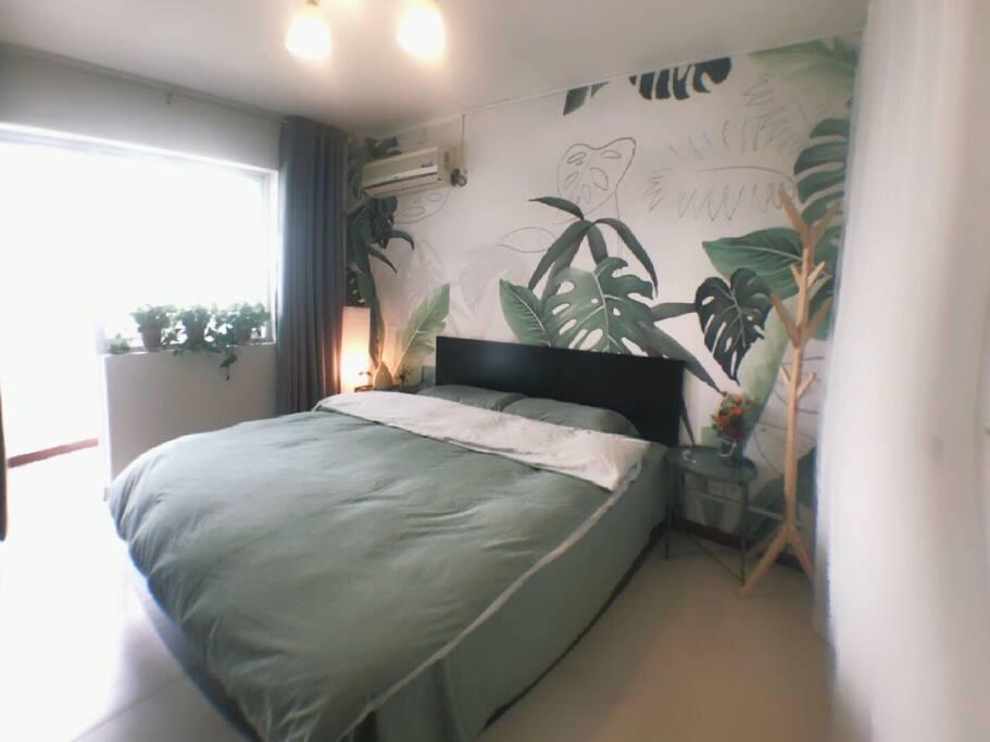 森林系的卧室,舒适的床垫,柔和的床品,睡个好觉