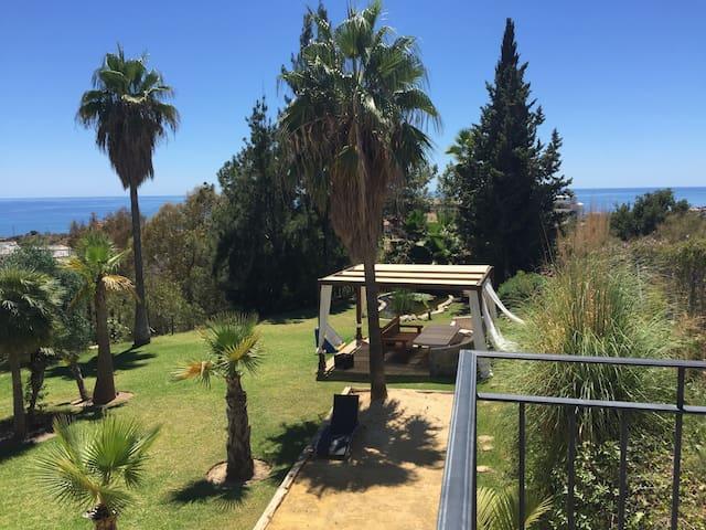 Stunning private villa & views - Rincón de la Victoria - House