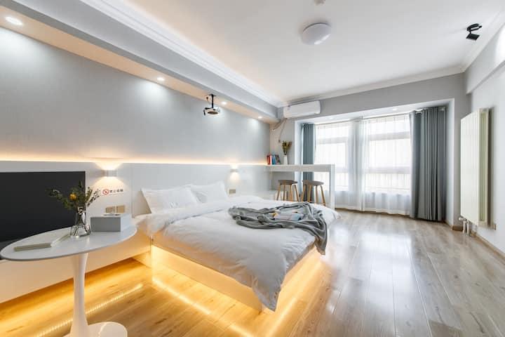 【奈斯优选】休闲大空间|舒适大床房|华福V+公寓|北园大街全福商圈|邻荣盛国际|洪家楼|大屏投影