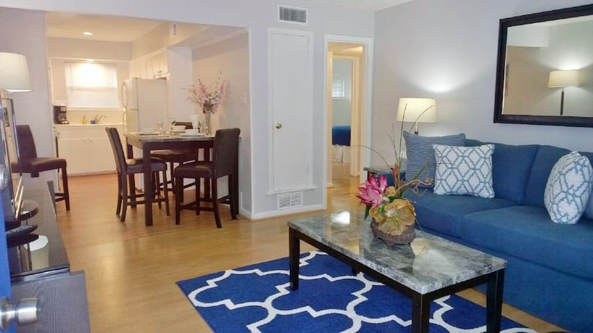 Uptown - Cozy 1 bd #3, Free WiFi, Parking, Cable
