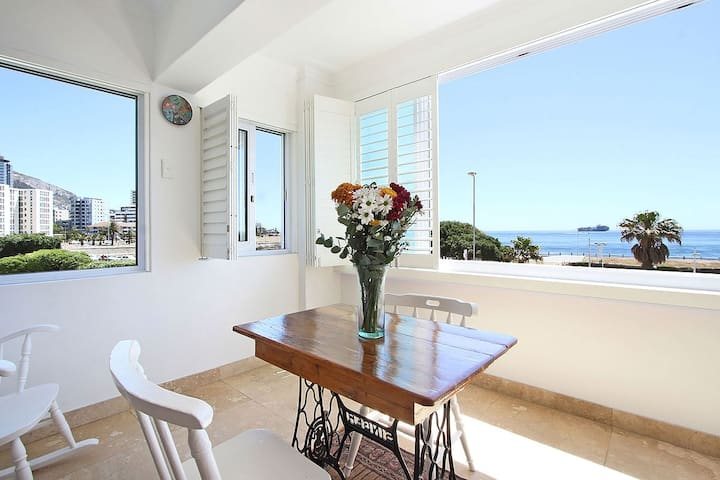 05DB-Studio on sea front with views