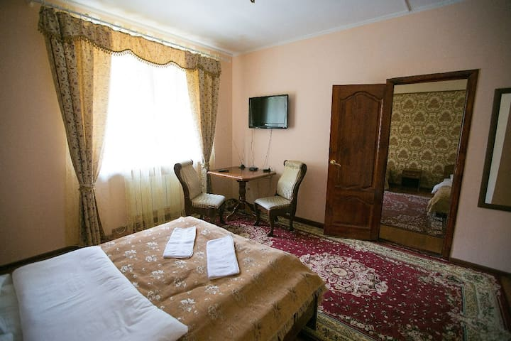 """Шестиместный номер в отеле """"Белые ночи"""" - Cherkessk"""