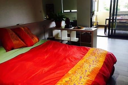 Sunny, spacious and close to marina - Wickham - Apartment