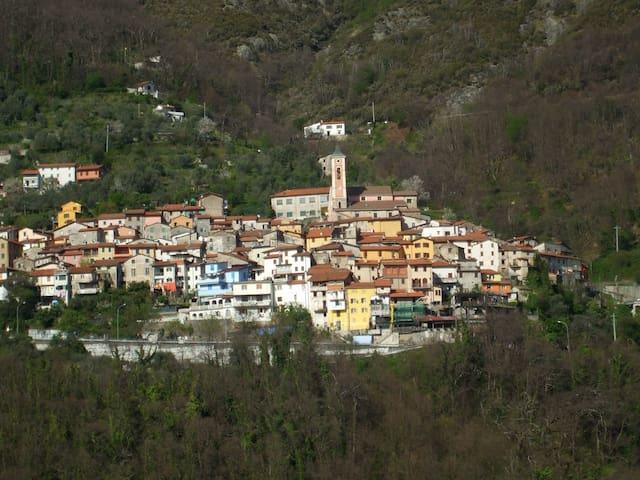 Terratetto nel cuore delle Alpi Apuane - Capanne-Prato-Cinquale - Дом