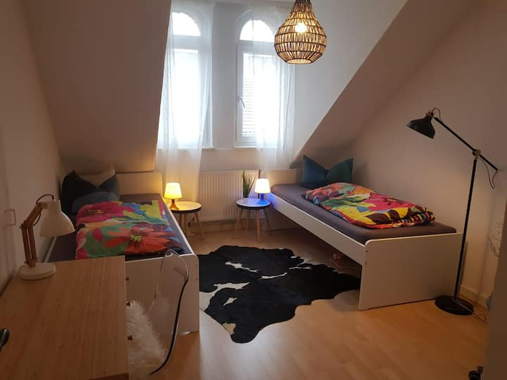 Zimmer 2 - zentral & gemütlich