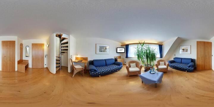 Hotel Liebesglück - Only-Adult-Hotel (Winterberg/Stadt) -, Maisonettesuite Giebel - geräumige Suite mit hochwertiger Ausstattung