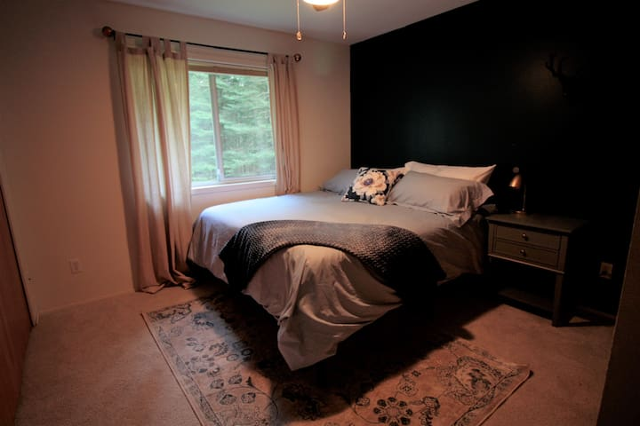 Second bedroom with a King sized bed