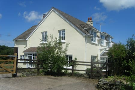 Monks Cleeve- offers a warm and friendly welcome