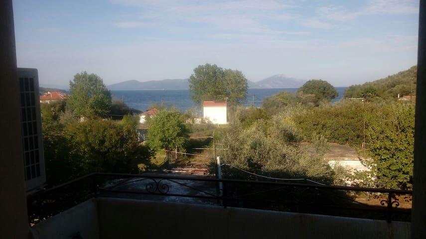 Ομορφο παραθαλάσσιο διαμέρισμα - Agia Marina - Departamento
