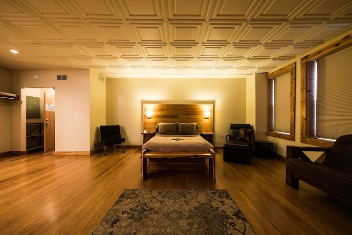 Maple Room - The Walnut Street Inn