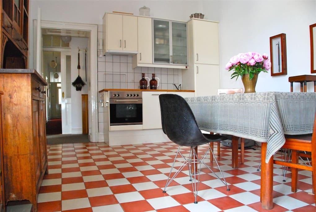 ruhiges jugendstil apartment in k ln city wohnungen zur miete in k ln nordrhein westfalen. Black Bedroom Furniture Sets. Home Design Ideas