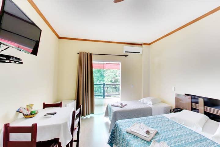 Quarto confortável no Hotel Rohedama