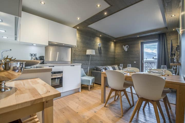 New and cosy apartment, 1 double room and 1 with bunk beds Courchevel Moriond