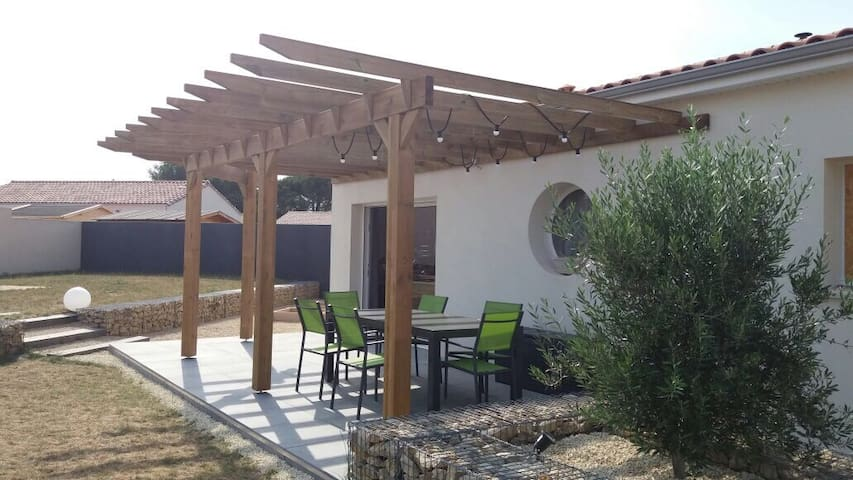 Family house close to Niort