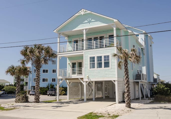 Pelican Drive-Experience the Northend of Carolina Beach in this 6 bedroom dog friendly home