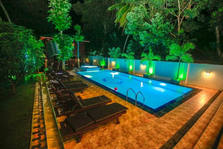 Hotel River Front Yala