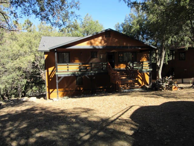 Newly Remodeled Pine Mountain Cabin!