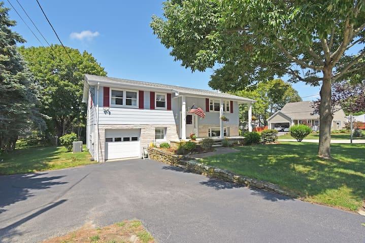 Five Bedroom Home just a mile from Town Beach